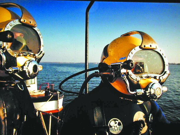 Commercial divers go deep to deliver construction expertise