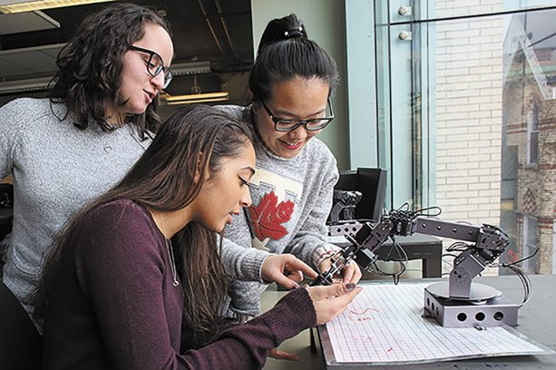Record number of first-year women in U of T Engineering