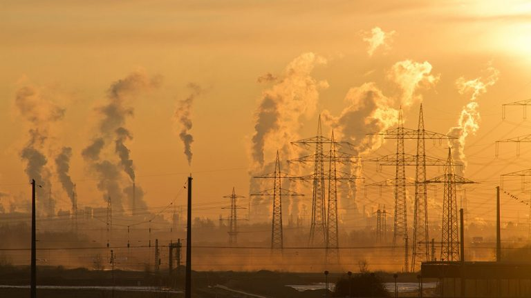 Federal carbon tax sees provincial pushback from Alberta industry and government