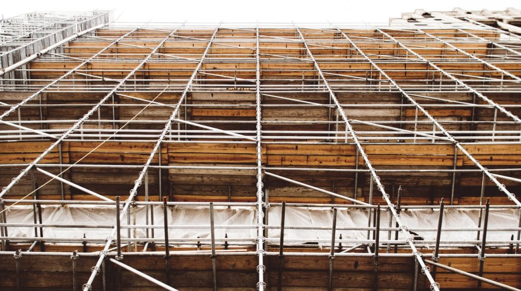Fall from scaffolding in Toronto results in serious injuries