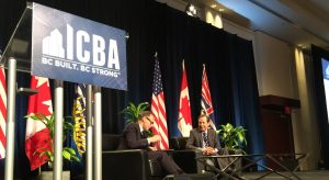 Wallace gives fair and balanced look at America during ICBA Outlook Forum