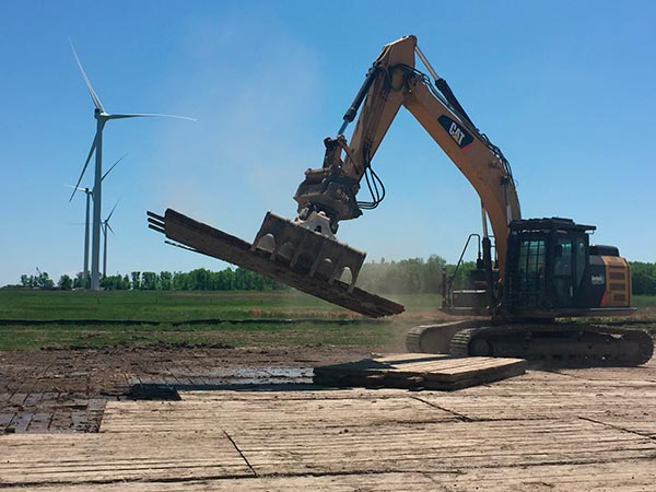 Wind Energy Mats being laid 4 - web