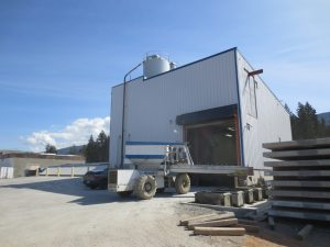 Advanced concrete batch plant serves customers near and far