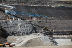 Infrastructure expert questions Site C schedule, transparency