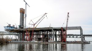 Champlain Bridge tolls decision could cost taxpayers $3B