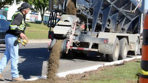 Remote control simplifies roadside landscaping