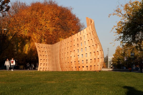 The Wood Design Wards Jury Choice award went to Wander Wood, an installation on the University of British Columbia campus combining high-tech robotic manufacturing with a curving wood structure.