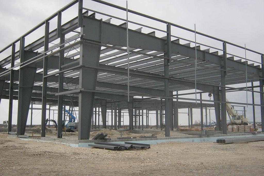 Freightliner constructing Manitoba's largest truck dealership
