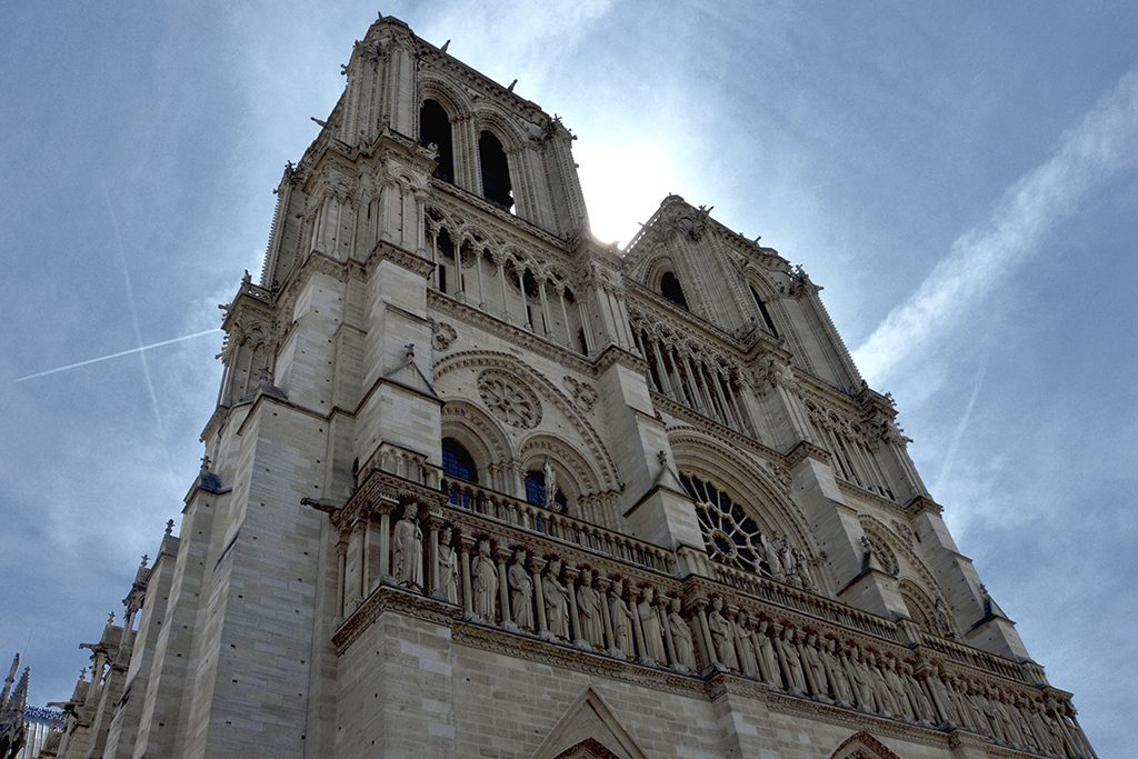 Architecture Spotlight: France's senate cancels international competition for Notre Dame