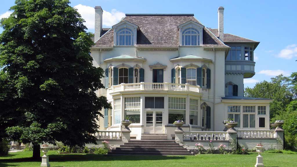 Spadina House receives federal historic designation