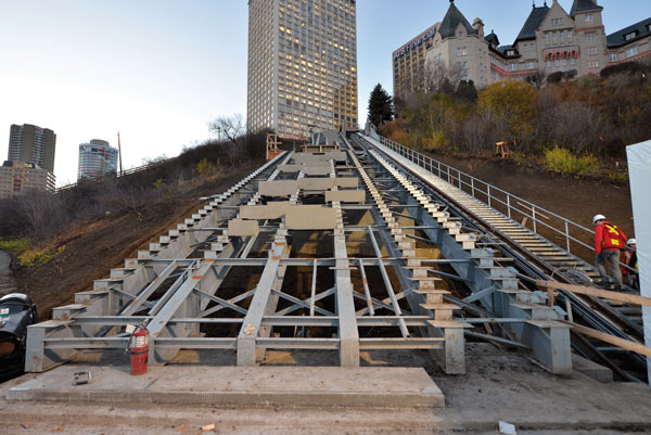 The Mechanized River Valley Access incorporates stairs, an elevator and a 19-metre cantilever lookout named after Frederick G. Todd, a landscape architect who proposed a River Valley park system in the early 1900s.