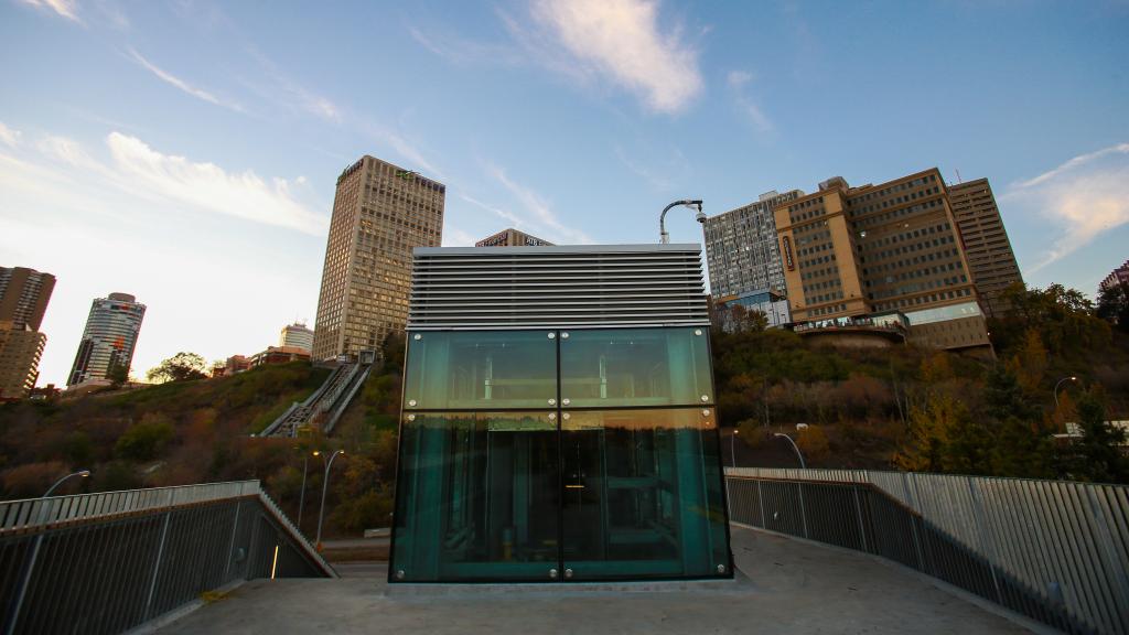 Mechanized funicular in Edmonton nets major steel design award
