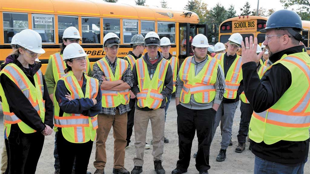 Students learn from the pros on Simcoe Trades Tour