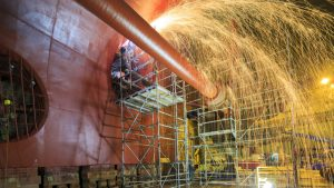 Work gear developed to fit shipbuilding women