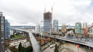 Helicopter lifts off for Vancouver House construction