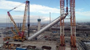 Sinopec sets record with largest hoisting job