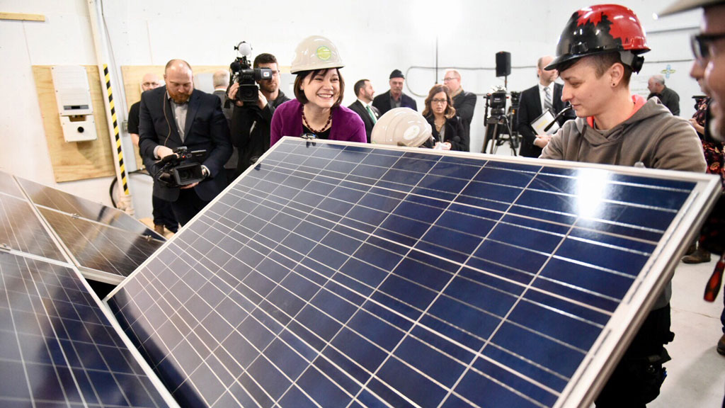 RBC signs agreement to support Alberta solar farm projects