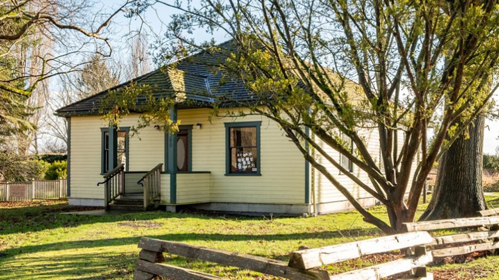 Century-old Richmond cottage restoration wins parks award