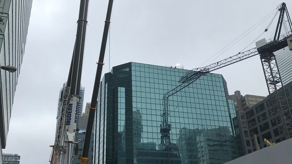 Damaged crane successfully dismantled in delicate operation